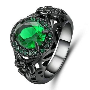 Jewelry - ‼️3 for 20$‼️Green Crystal Ring